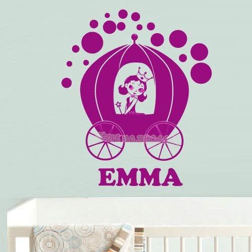 fancjj Magische Prinzessin sitzt im Auto Wandaufkleber Benutzerdefinierten Namen Vinyl Aufkleber Baby Kinderzimmer Dekor schöne Mädchen Schlafzimmer Wandbild 56 X 68 cm