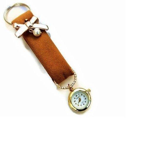 Portachiavi Donna marrone in stoffa con un piccolo orologio da tasca Charm da borsa