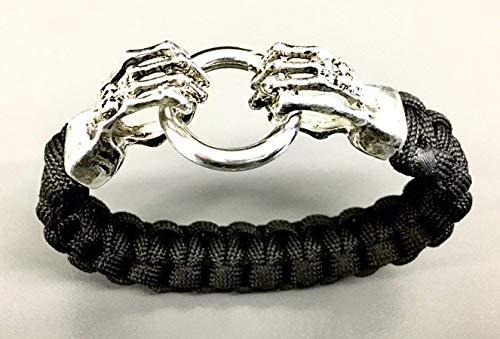 Skeletthände-Armband | Schwarz oder Grau| Rocker-Armband | Biker-Armband | Metal Bracelet im Halloween-Look aus Paracord-Seil/Nylon-Seil | Survival Armband | Handgeknotet ()