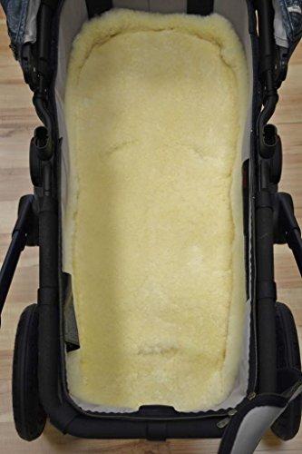 Babyfell Einlage/Auflage für Kinderwagen/Buggy/Kindersitz 80x40cm medizinisches Lammfell mit Öffnungen für Haltegurte