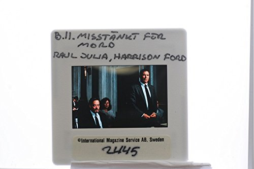 slides-photo-of-harrison-ford-and-raal-julia-in-presumed-innocent