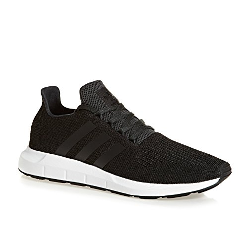 adidas donne 2500 chaussures