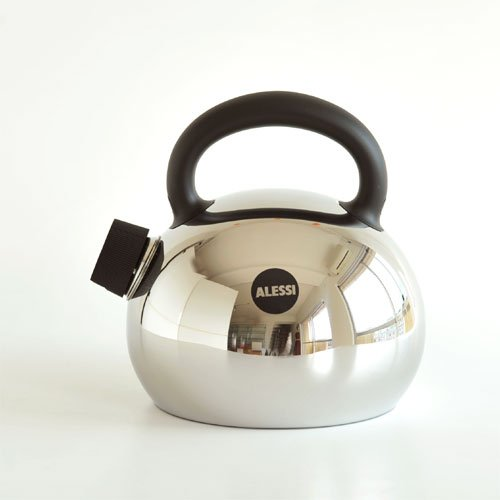Alessi Kettle – Mami – by Stefano Giovannoni