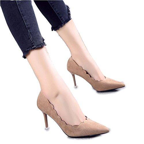 Chaussures hautes en cuir nu pointues avec des chaussures de bouche faible