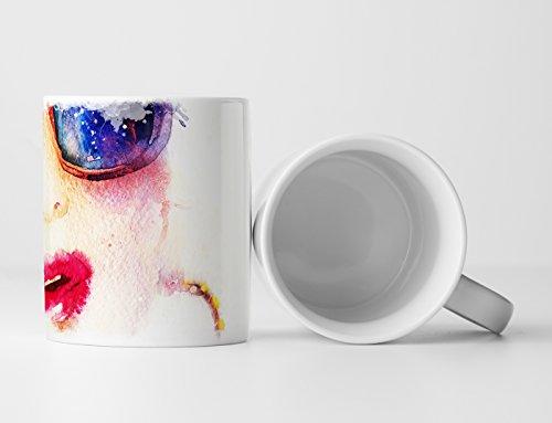 Eau Zone Fotokunst Tasse Geschenk Bild - Frau mit Sonnenbrille Kreolen und Kussmund