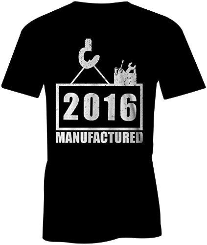 Manufactured 2016 - Rundhals-T-Shirt Männer-Herren - hochwertig bedruckt mit lustigem Spruch - Die perfekte Geschenk-Idee (01) schwarz