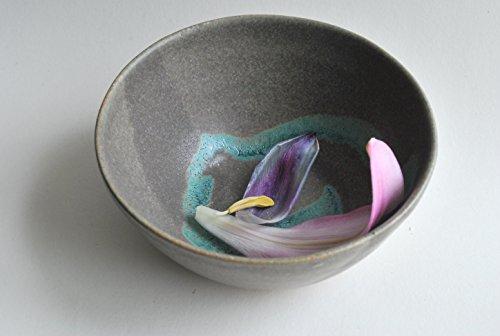 stoneware-ceramic-bowl-with-a-grey-and-turquoise-glaze-finish
