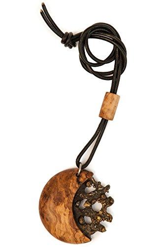 Rizzello Scultore - Pendente Pangea: Pendente realizzato con legno di ulivo e acciaio inox patinato con parti in ottone, laccio in cuoio.