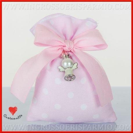 Cuorematto -sacchetto portcaonfetti con chiusura a tiranti laterali in tessuto di colore rosa a pois bianchi decorato al collo da un ciondolo a forma di angioletto bianco - bomboniere nascita,battesimo,comunione, confettate(1 pz. con confetti rosa)