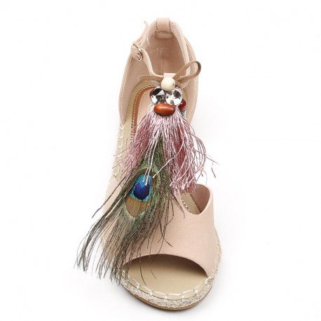 Ideal Shoes - Sandales plates avec franges et bijoux décoratifs Gialina Rose