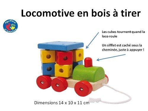 Locomotive en bois à tirer en bois coloré et cubes qui tournent