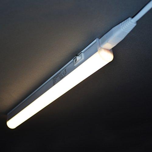 Briloner Leuchten 2379-046 A+, LED Unterbauleuchte, Unterbaulampe, Küchenlampe, Schrankunterbaulampe, Kunststoff, 4 W, Integriert, Weiß, 31.3 x 2.2 x 3 cm