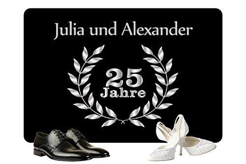 Geschenke 24: Personalisierte Fußmatte Silberhochzeit – Fußmatte mit Namen bedrucken – ein originelles Geschenk zum 25. Hochzeitstag