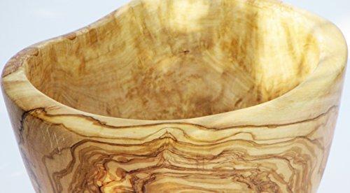 Figura Santa Rustikale Obstschale TUTTIFRUTTI aus altem Olivenholz, mit sehr schöner Maserung. Lebensmittelecht geölt. Jede Schüssel ist ein Unikat! Durchmesser ca. 22-23 cm. -