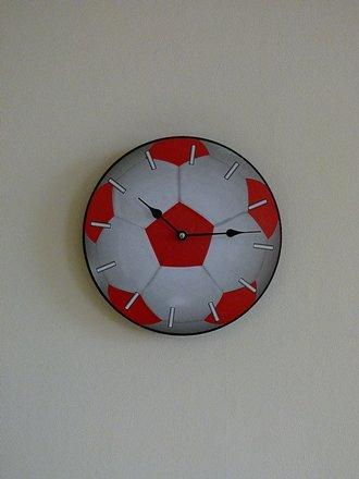 childrens-boys-girls-football-wall-clock-duo-clock-round-football-shaped-bedroom-wall-mounted-clock-