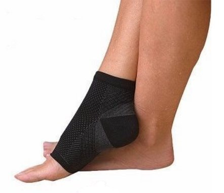 Aquarius Plantar Fasciitis Foot Arch Support Sock/Sleeve, with 7 Zones of Graduated Compression, Relieves Pain, Aids in Support, Improves Circulation which Encourages Healing.