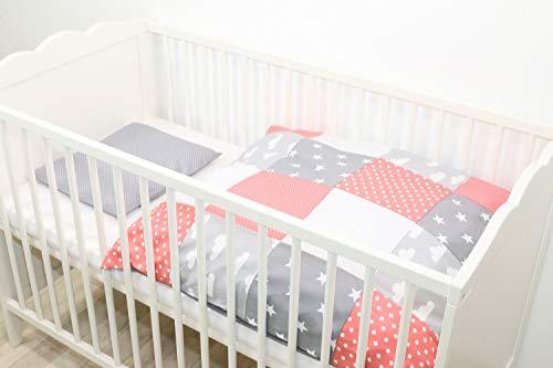 ULLENBOOM ® Babybettwäsche Coral Wolken (2 tlg. Baby Bettset: Kissenbezug 35x40 cm & Bettdeckenbezug 80x80 cm, Motiv: Sterne, Patchwork Design) - Bettwäsche Patch
