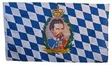 Flagge im bayrischen Rautenmuster mit Portrait des König Ludwig II