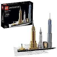 Cattura l'essenza architettonica di New York City con questo magnifico set contenente l'iconico grattacielo Flatiron, il Chrysler Building, l'Empire State Building, il One World Trade Center e la Statua della Libertà, in un'ambientazione affascinante...