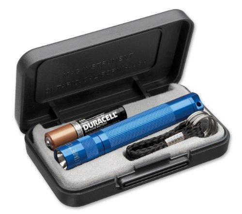 Preisvergleich Produktbild Mag-Lite 8 cm Mini Taschenlampe, LED Solitaire bis zu 37 Lumen, inklusive 1 Micro-Batterie und Schlüsselanhängerschlaufe, blau, J3ADS2E