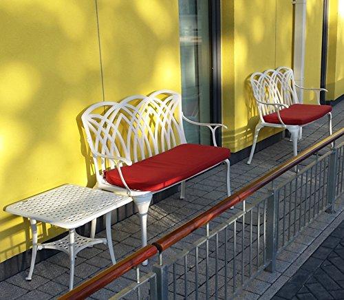 Lazy Susan – SANDRA Quadratischer Kaffeetisch mit 1 APRIL Gartenbank – Gartenmöbel Set aus Metall, Weiß (Terracotta Kissen) - 2