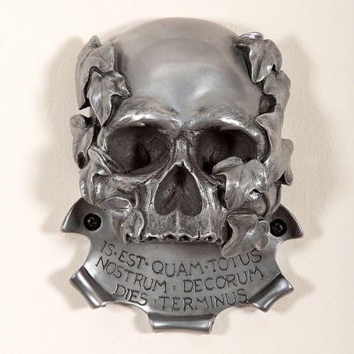 murale-design-clinic-memento-mori-decapsuleur-tete-de-mort-argente