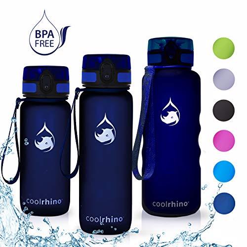 coolrhino Trinkflasche 650ml für Sport, Outdoor, Schule, Fitness & Kinder - Wasserflasche auslaufsicher und Bpa frei - Flasche für Kohlensäure geeignet (Rhino darkblue, 650ml)
