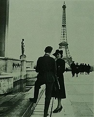Paris under Nazi Occupation 1941, ( couple with Eiffel tower in background) - Framed picture - 11x14