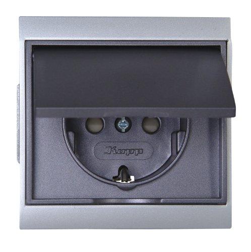 Kopp 911550081 Malta Schutzkontakt-Steckdose mit Klappdeckel und erhöhtem Berührungsschutz (Kinderschutz), silber-anthrazit