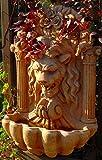 Casa-Padrino Fuente de Pared de Piedra Artificial Barroco León H. 97 cm Fuente de Jardín en Estilo Barroco, Colores:Beige