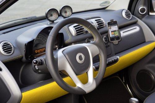 clasico-y-musculo-anuncios-de-coche-y-coche-art-smart-fortwo-city-llama-edicion-2013-coche-poster-en