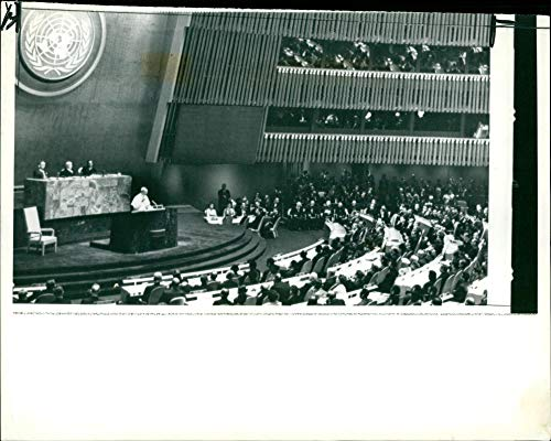 Fotomax Vintage Photo of Pope Paul VI Making his Historic plea for World Peace to The 117 Members of States of The United Nations General Assembly. (Les Paul Assembly)