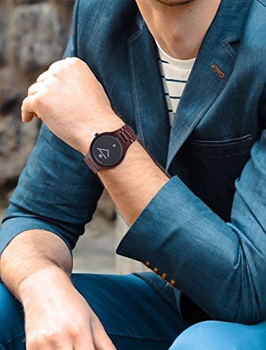 Greentreen Handgefertigte Herren Holzuhr aus massivem, rötlichen Sandelholz, Armbanduhr für Männer mit Quarzziffernblatt und Datumsanzeige - 5