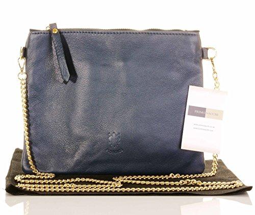 Italiano in morbida pelle pochette tracolla o borsa a tracolla, con manico/tracolla a catena in metallo oro.Include un deposito protettivo di marca borsa Blu marino