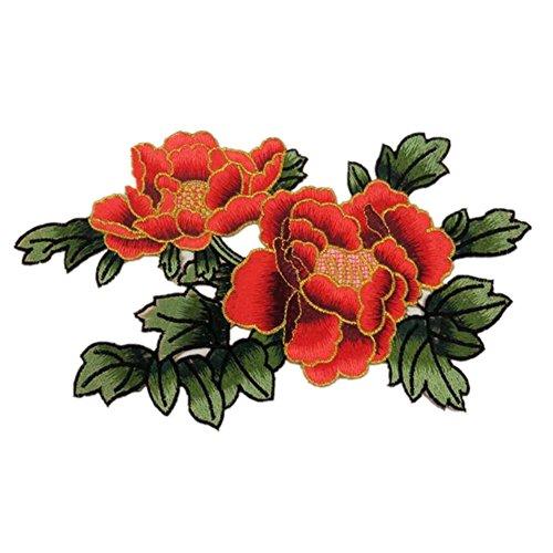 Fiori Peonia con foglie verde scuro Ricamato appliques cucire ferro sulle patch Red