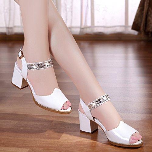 La mode des femmes d'été confortables sandales à talons hauts White