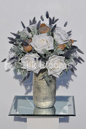 Tolle Fresh Touch White Rose und Lotus Pod Floral Vase Arrangement mit Fingerhut