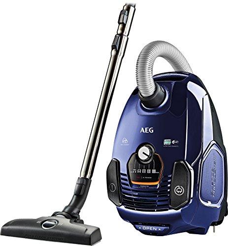 AEG VX7-2-DB Staubsauger mit Beutel EEK A+ (650 Watt, 12 m Aktionsradius, Softräder, 3,5 Liter Staubbeutelvolumen, Hygiene Filter E12) blau