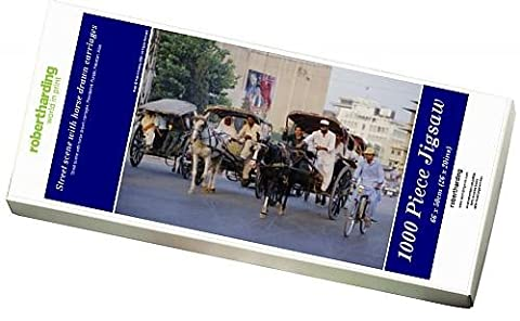 Photo Jigsaw Puzzle of Street scene with horse drawn carriages