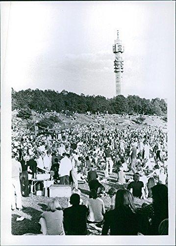 """Vintage Foto Di Persone a """"Il partito A gärdet un libero Festival Musicale in Stockholm 1970."""