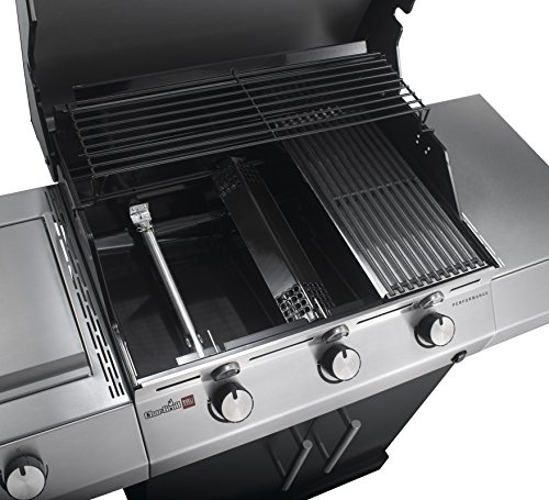 The model has 3 stainless burners that not only cooks for up to 6 people in one go but can also take the heat for extended durability.