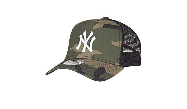 a61bcb25fd1 New Era Adjustable Trucker Cap - New York Yankees wood camo - One Size   Amazon.co.uk  Sports   Outdoors