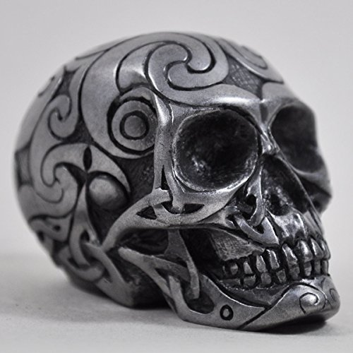 Design Clinic UK Keltischer Totenkopf aus mattem Metall, Miniatur Halloween-Skulptur, Gotisches Dekor, Geschenk, 6 cm (klein)