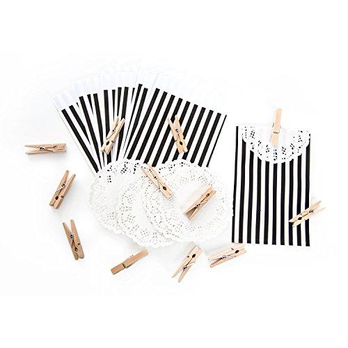40 schwarz weiß gestreifte Papiertüten 9,5 x 14 + 2 cm Lasche + weiße Deko-Spitze + kleine natur Holz-Klammern vintage Papierbeutel für Mitgebsel Gastgeschenke give-away als Verpackung Mini-Tüten - Gestreifte Spitze