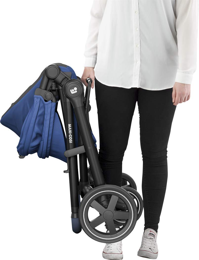 Maxi-Cosi Zelia Baby Pushchair, Lightweight Urban Stroller from Birth, Travel System with Bassinet, 15 kg, Essential Blue Maxi-Cosi Flexible stroller from birth to 3.5 years 2-in-1 seat unit: zelia's seat transforms into a pram bassinet for use from 0 - 12 m in a single movement This city stroller is easy to carry thanks to its lightweight 12