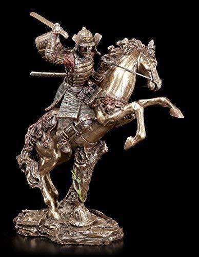 Samurai Figur - Krieger auf Pferd im Kampf | Veronese Bronze-Optik Statue (Krieger-statue-figur)