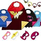 LAEGENDARY Superhelden Kostüm für Kinder - 4 Capes und Masken – Superhelden Party - Im Dunkeln Leuchtendes Wonder Woman Logo - Verkleidung Madchen - Karneval Fasching Costume