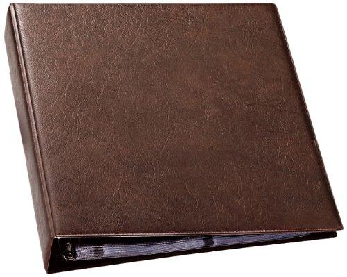 Tarjetero con 20 fundas transparentes de polipropileno con capacidad para 400 tarjetas de visita tamaño 57x90mm. Juego de 12 separadores de polipropileno con impresión alfabética y mecanismo de 4 anillas. Dimensiones: 315 x 255 mm. Color marrón.