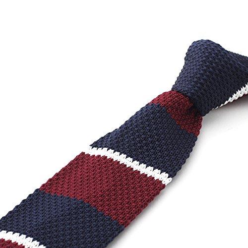 Handgemachte, gestreifte Herren Strick-Krawatte in dunklem Rot, dunklem Blau und Weiß von DNDYCNDY | Toll für Weihnachten | 5cm | Slim Fit, Schmale (Outfits In Jahren Den 60er)