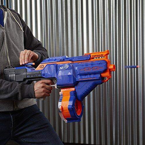 Hasbro E0438EU4 - N-Strike Elite Infinus Spielzeugblaster, mit automatischem Dart-Loader - 9